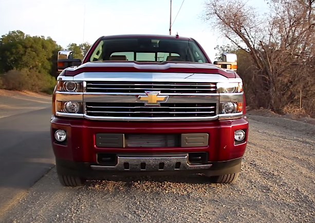 2015 chevrolet silverado 2500hd high country worth the price of admission chevytv. Black Bedroom Furniture Sets. Home Design Ideas