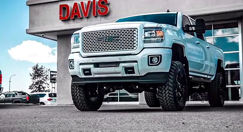 2015 Gmc Sierra 2500hd Denali Lifted >> Great White: 2015 GMC Sierra HD Denali is one hot truck - ChevyTV