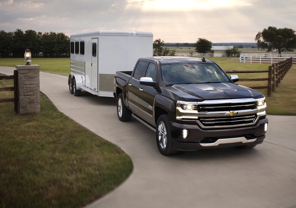 Chevrolet drops new photos and details on 2016 Silverado ...